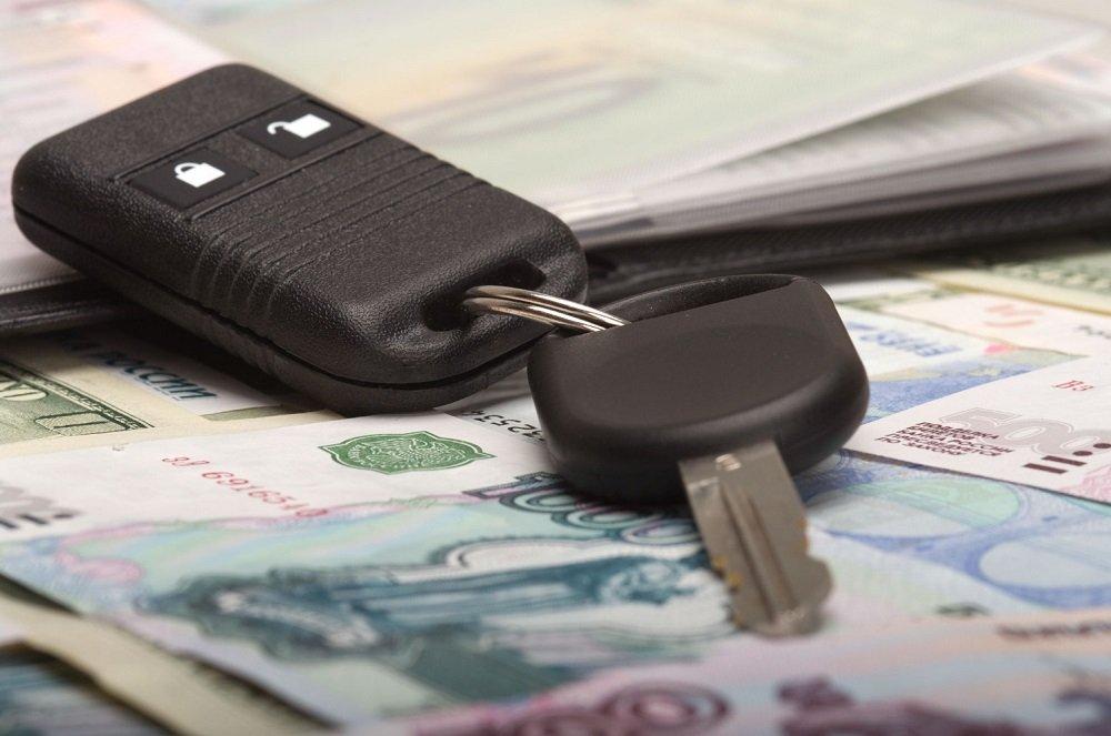 В Петербурге продолжают падать продажи новых машин